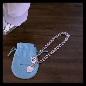 Return me to Tiffany & Co. Choker necklace